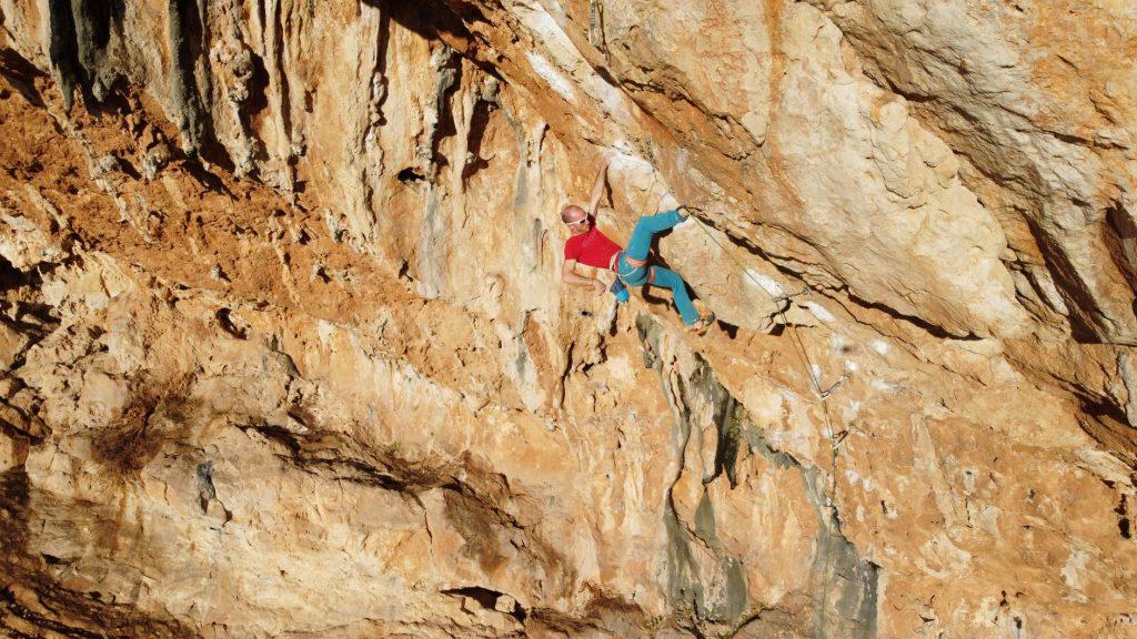 Infortuni arrampicata: traumi acuti al ginocchio